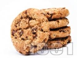 Американски бисквити с бадеми и парченца шоколад - снимка на рецептата